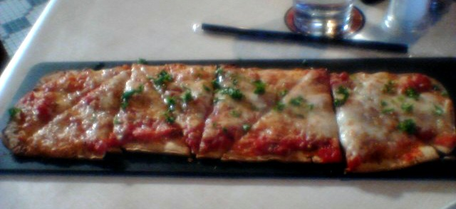6 Cheese Amp Tomato Sauce Flatbread At Ruby Tuesday Kmom14